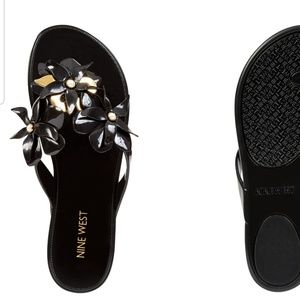 Nine west black and gold jelly flats flowers 8